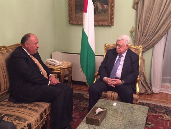 وزير الخارجية المصري يستقبل الرئيس الفلسطينى فى القاهرة