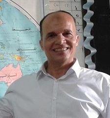 أ-عبد الحميد حمزة معلم خبير فى الجغرافيا