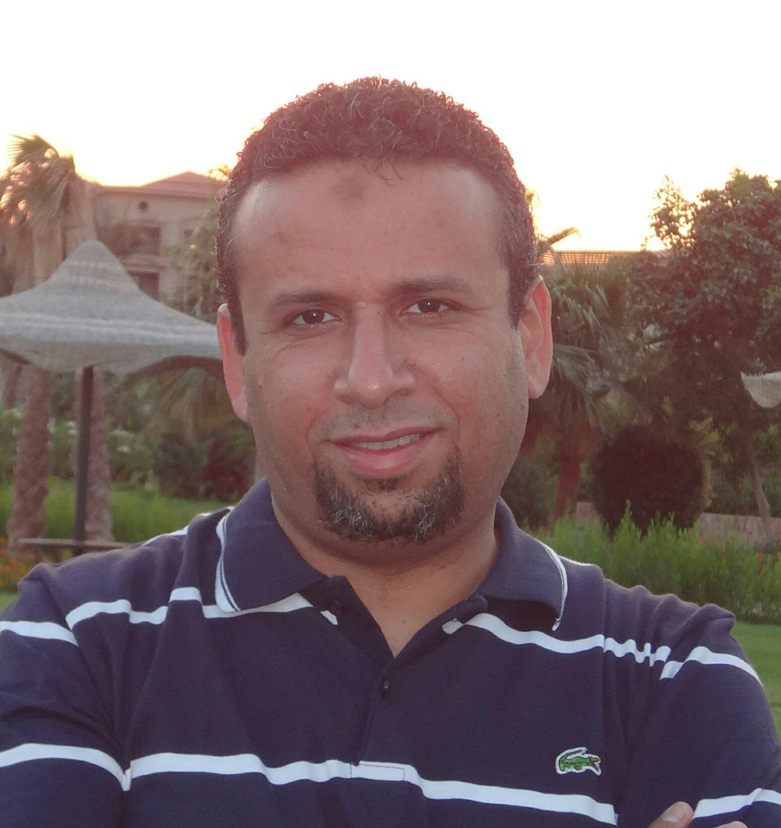 أ-أحمد غيث مدرس اللغة الألمانية