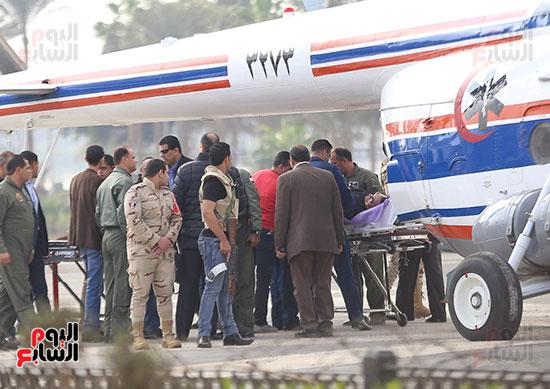 تجهيزات نقل الرئيس الاسبق مبارك للطائرة