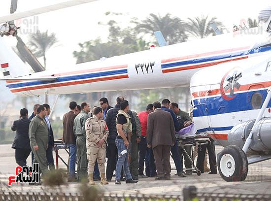تجهيزات نقل مبارك للمحاكمته بالطائرة