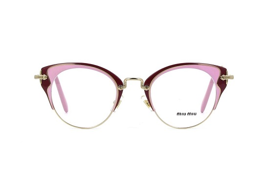نظارة تحمل إمضاء Miu Miu