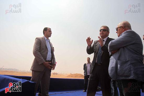 وزير الرياضة يتفقد أرض المجمع الرياض