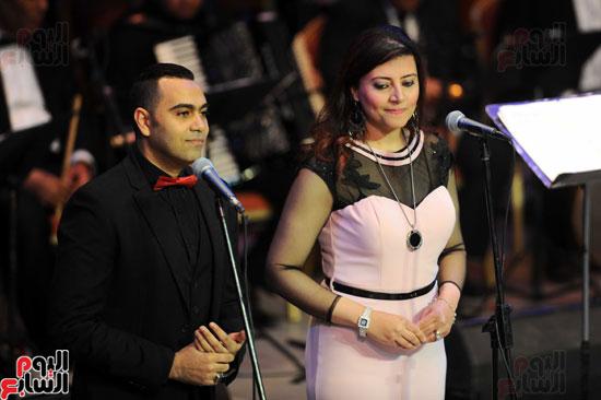 يحيى عبد الحليم وياسمين على باحتفالية ذكرى العندليب