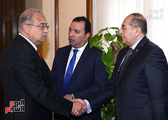 الدكتور أيمن عبد المنعم محافظ سوهاج مع رئيس الوزراء