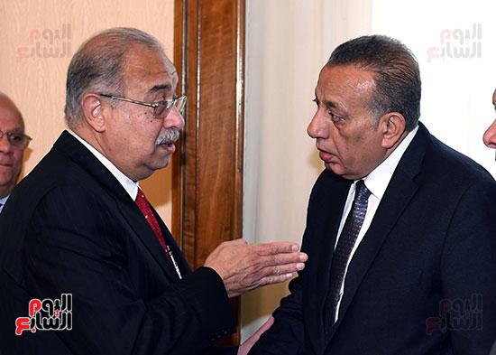 اللواء كمال الدالى محافظ الجيزة مع المهندس شريف إسماعيل