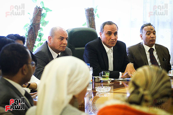 نقيب الصحفيين الجديد في اول يوم في نقابة الصحفيين ومؤتمر صحفي (14)
