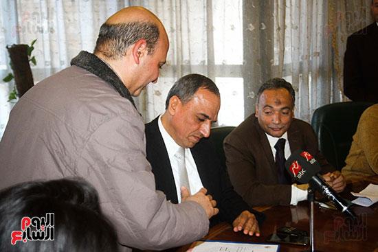 نقيب الصحفيين الجديد في اول يوم في نقابة الصحفيين ومؤتمر صحفي (5)