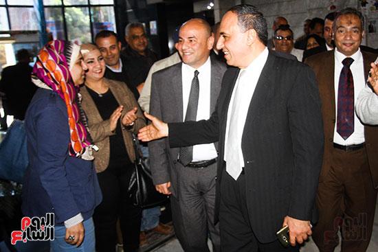 نقيب الصحفيين الجديد في اول يوم في نقابة الصحفيين ومؤتمر صحفي (4)