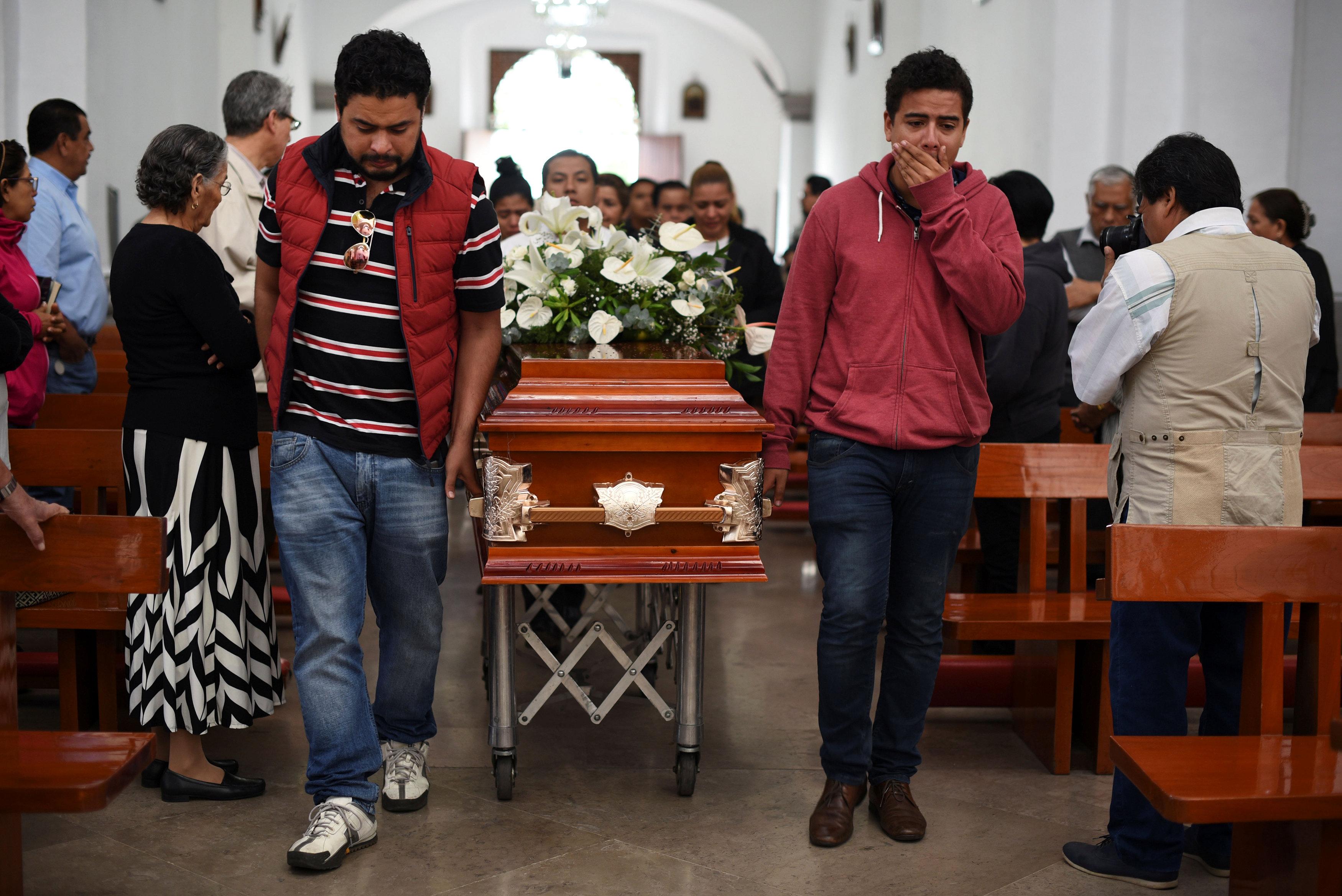 جنازة ؤيكاردو مونلوى