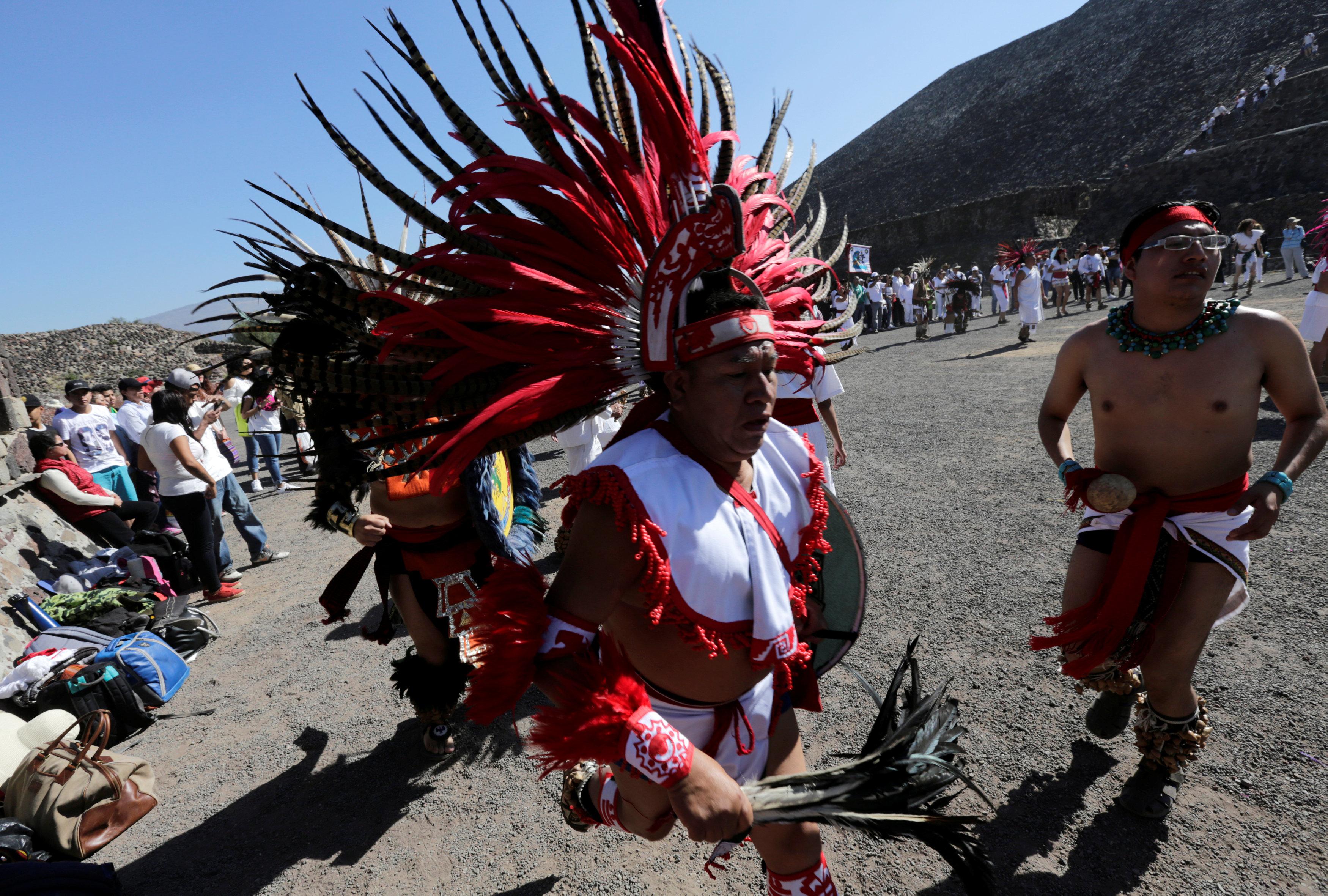 احتفالية استقبال الربيع فى المكسيك