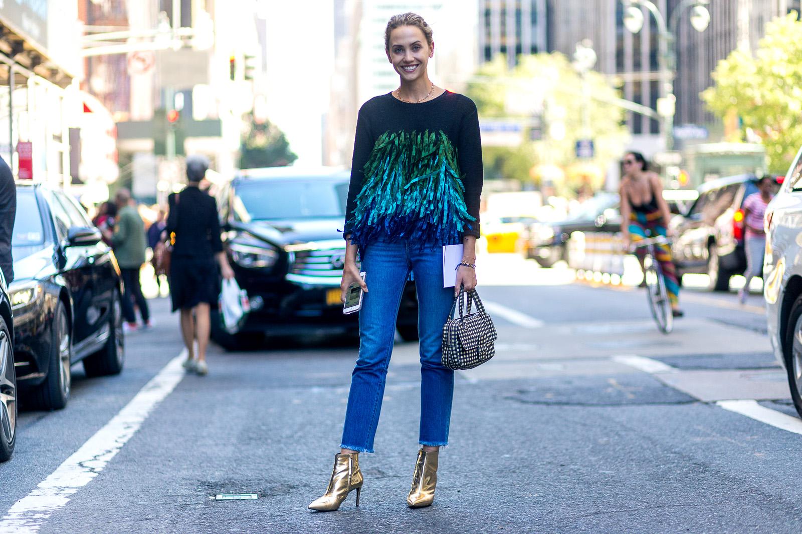 عروض الشارع على هامش اسبوع الموضة بنيويورك