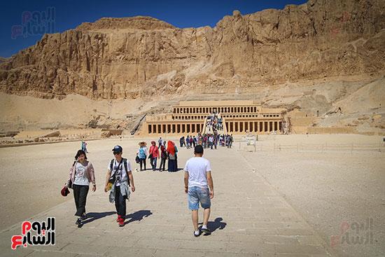 توافد السياح على معبد  حتسبشوت