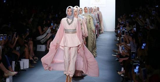 5e4c63162 إندونيسيا تسعى للسيطرة على موضة أزياء المحجبات عالميًا - اليوم السابع