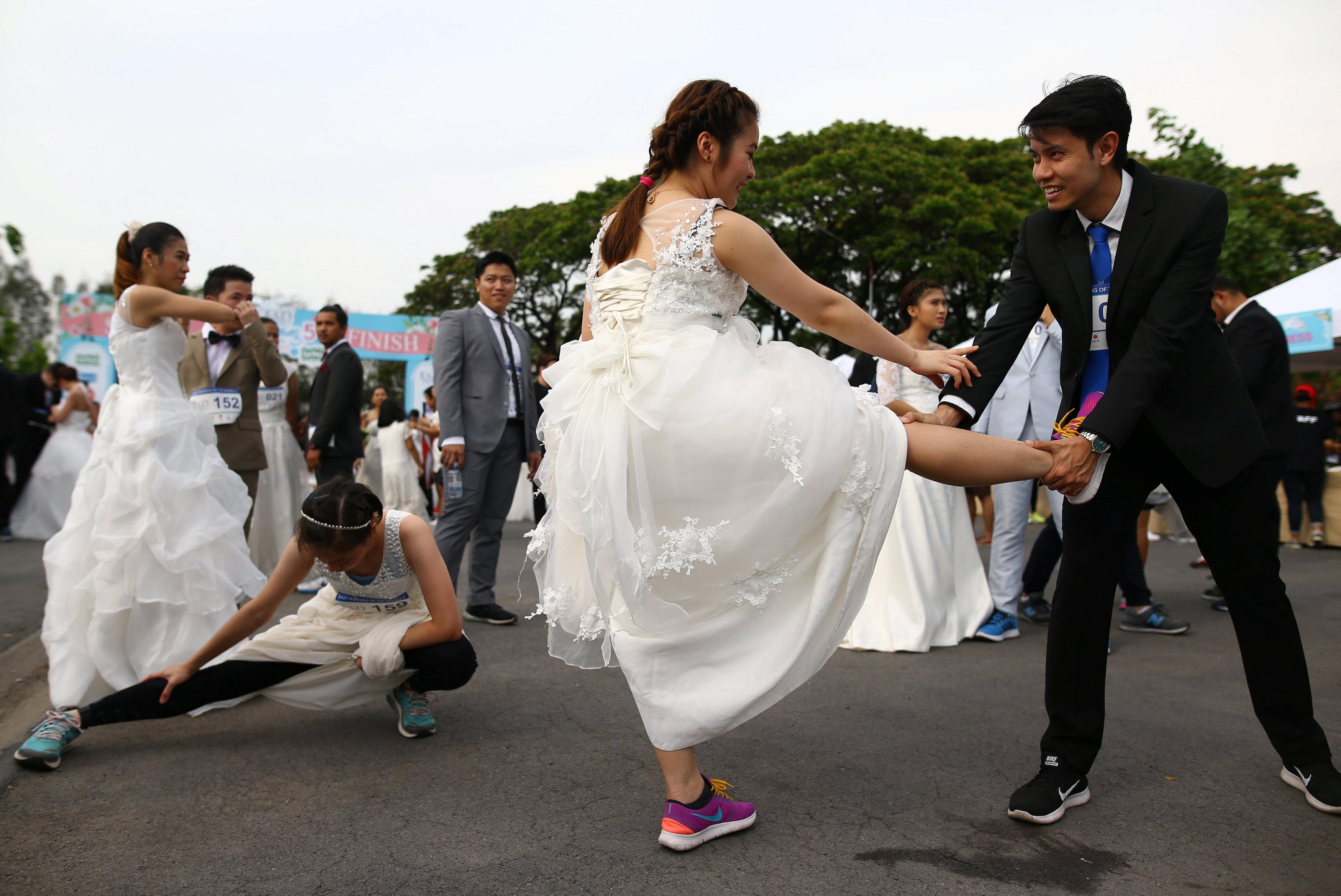 مشاركة العروس فى السباق