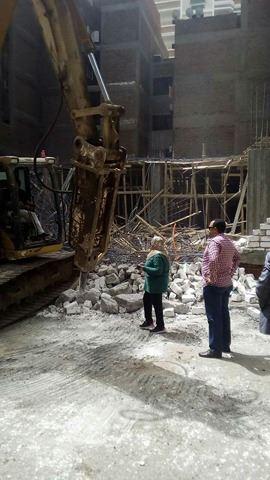 إزالة مباني مخالفة بحي شرق أسيوط (5)