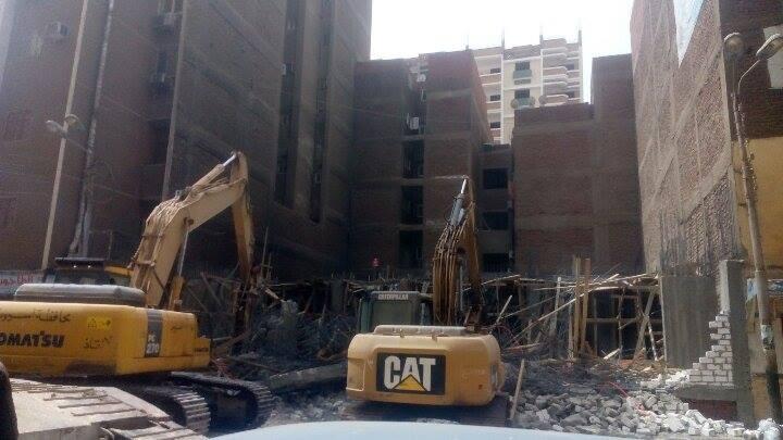 إزالة مباني مخالفة بحي شرق أسيوط (1)