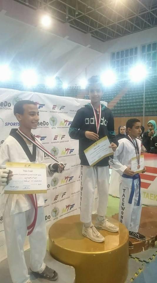 مركز شباب القنطرة غرب يحصد 5 ميداليات ذهبية فى بطولة الجمهورية للتايكوندو (7)