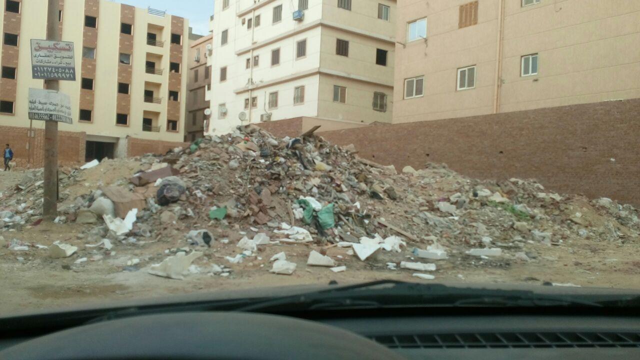 القمامة تحاصر الهضبة الوسطى
