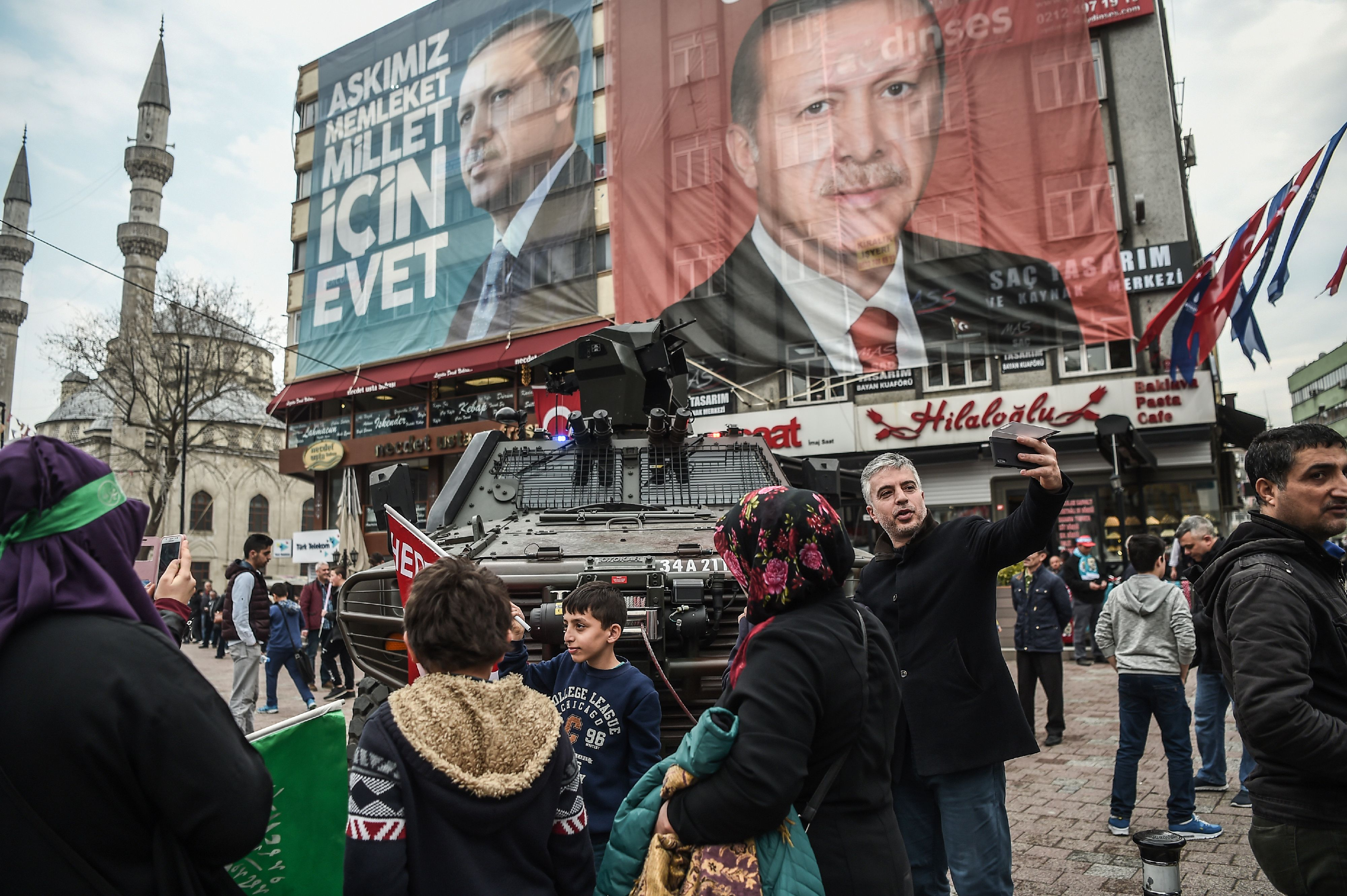 مظاهرات مؤيدة لأردوغان
