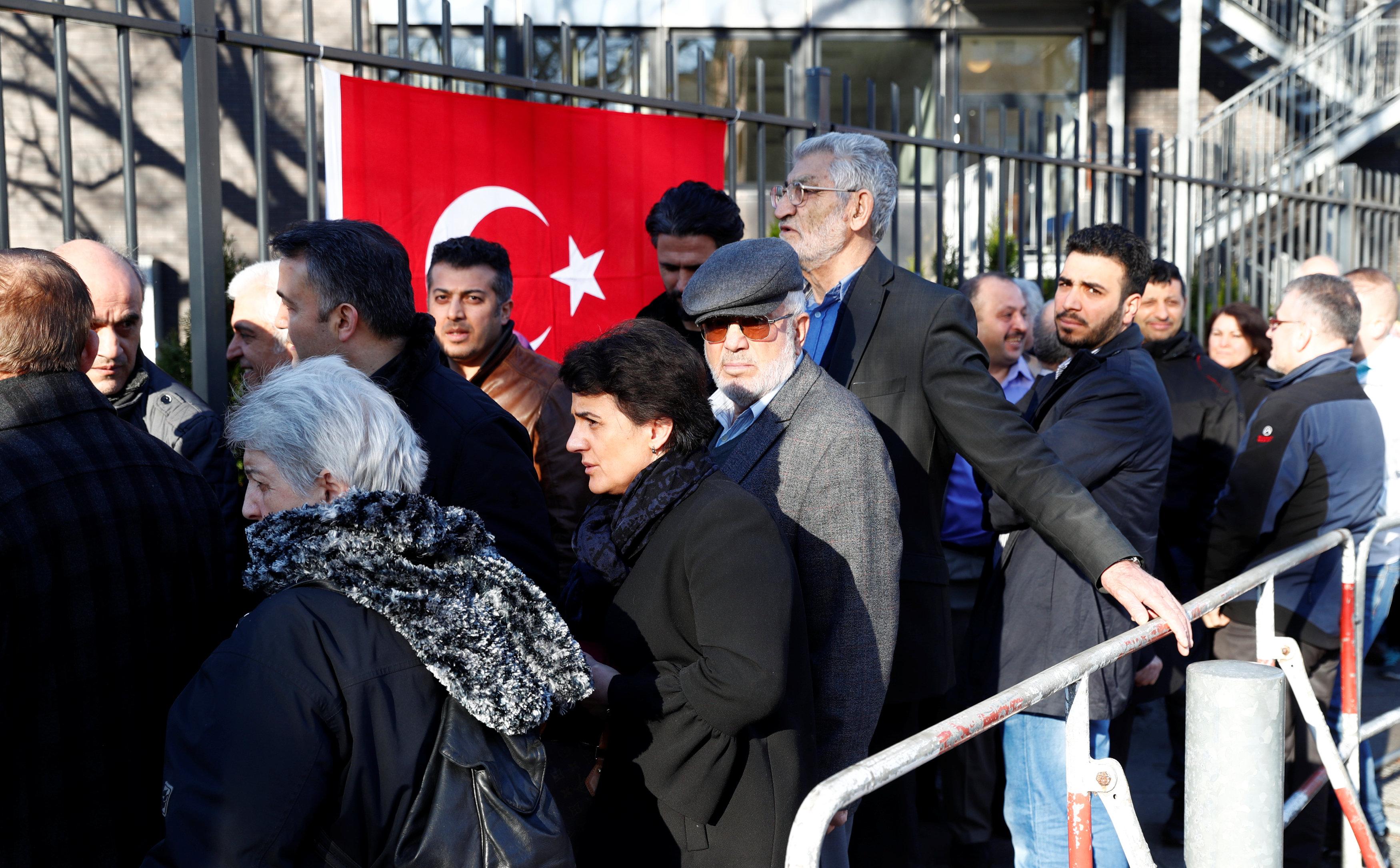 استفتاء الأتراك في الخارج (3)
