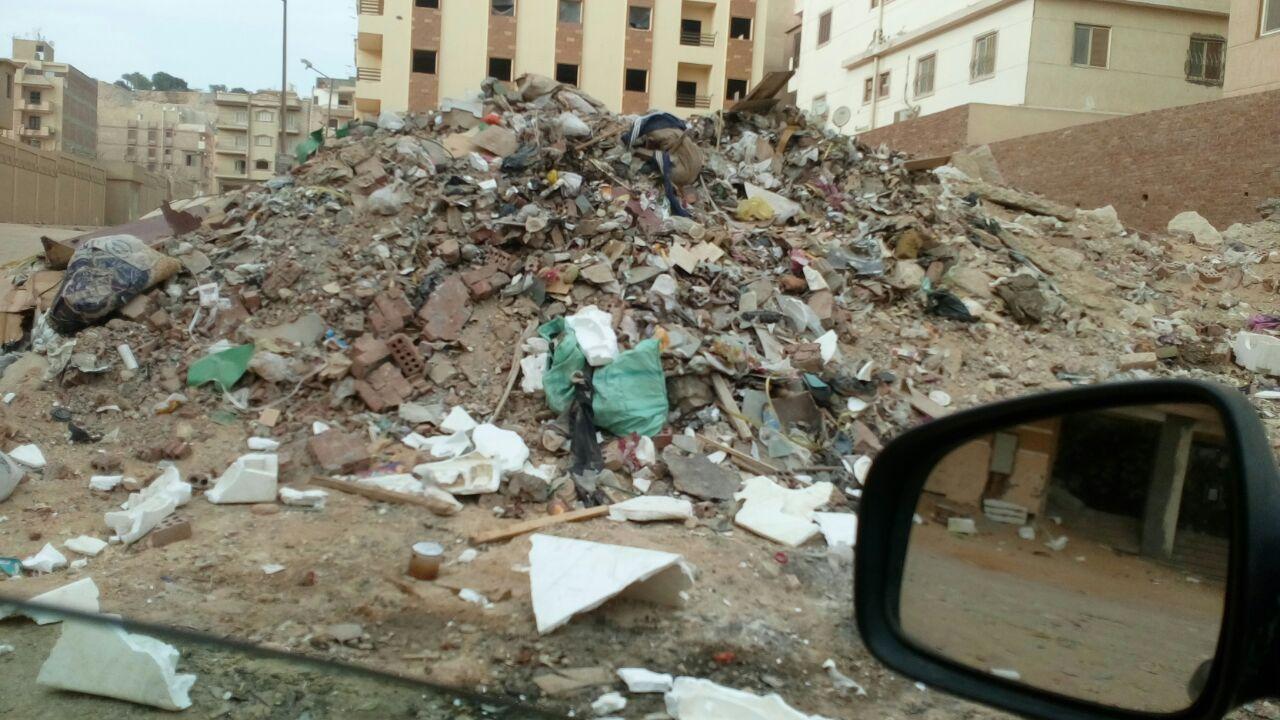 انتشار القمامة بالحى الخامس