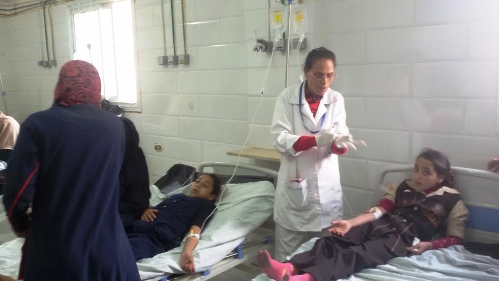 التلاميذ يروون تفاصل اصابتهم بالتسمم  (12)