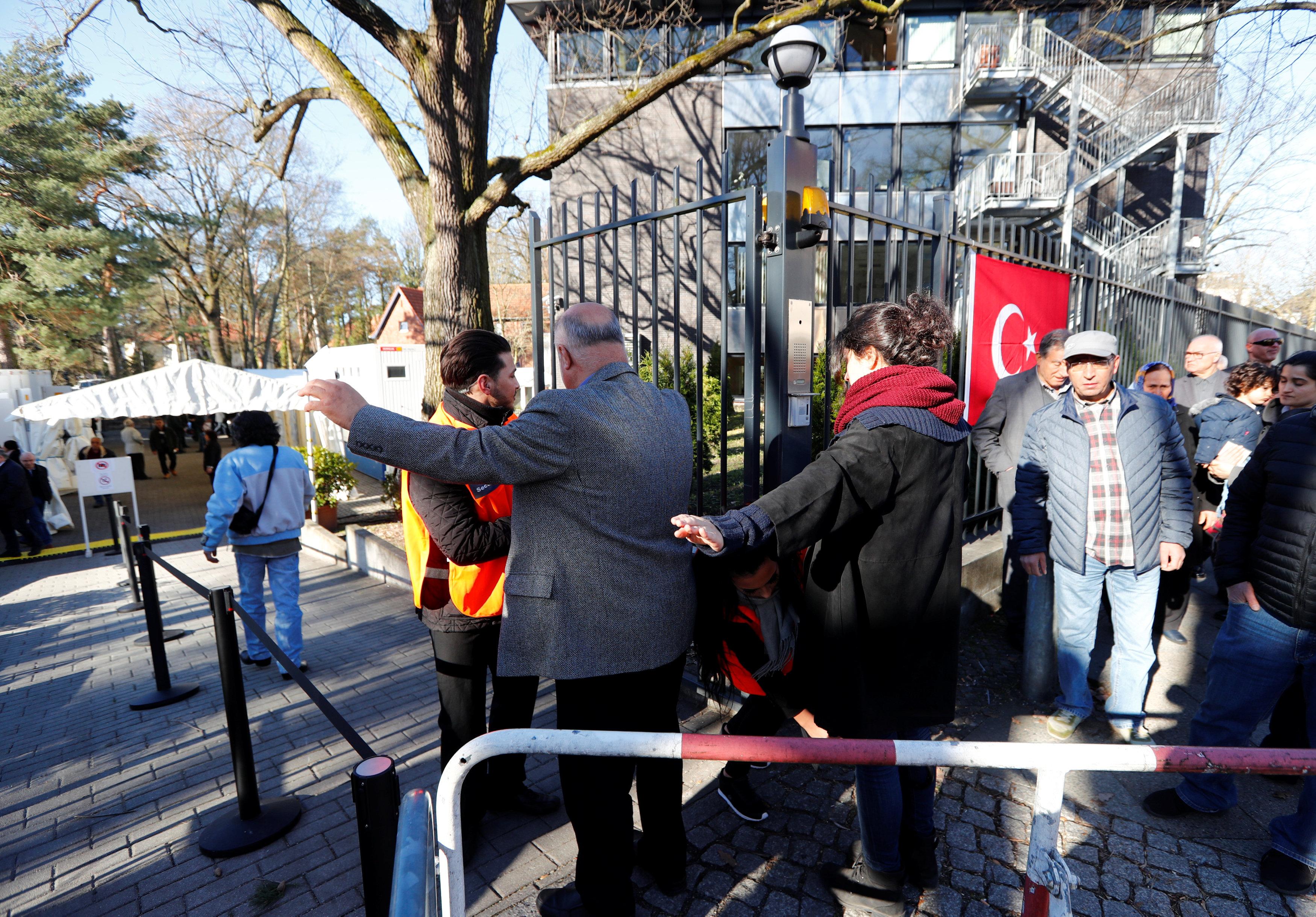 استفتاء الأتراك في الخارج (4)