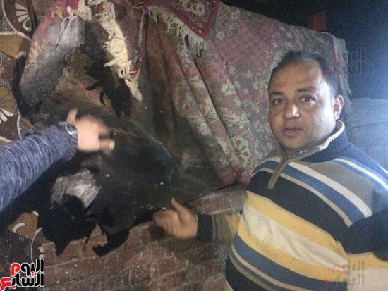 سيدة مسنة متضررة من حريق المسجد