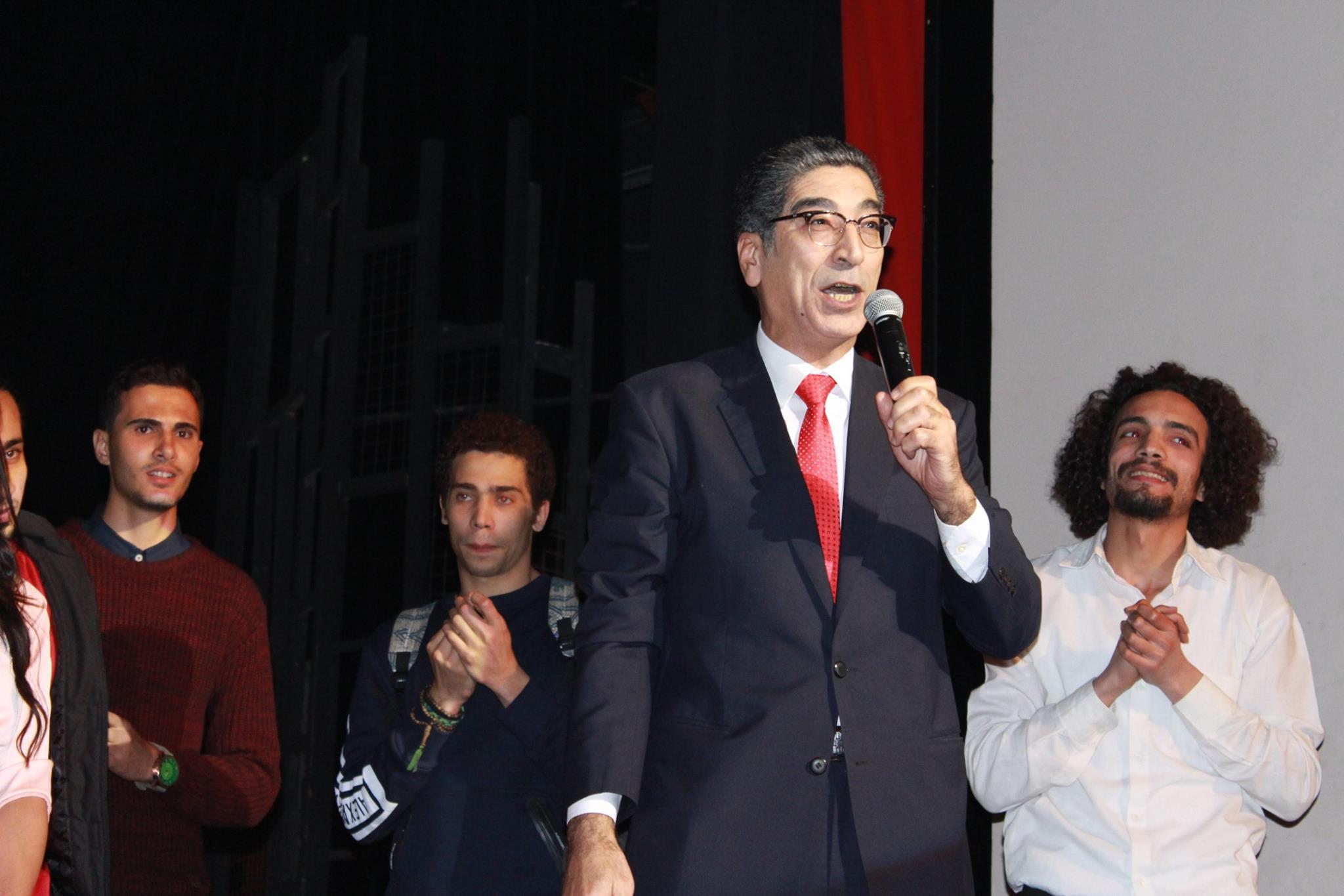 يوسف إسماعيل مدير المسرح القومى