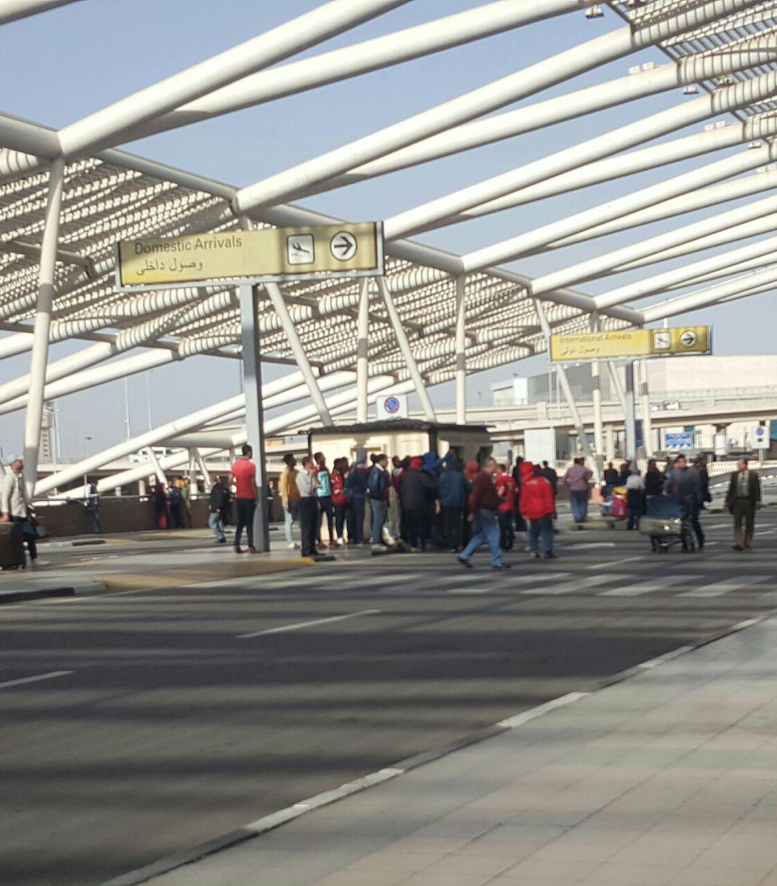 جانب من الحضور فى مطار القاهرة