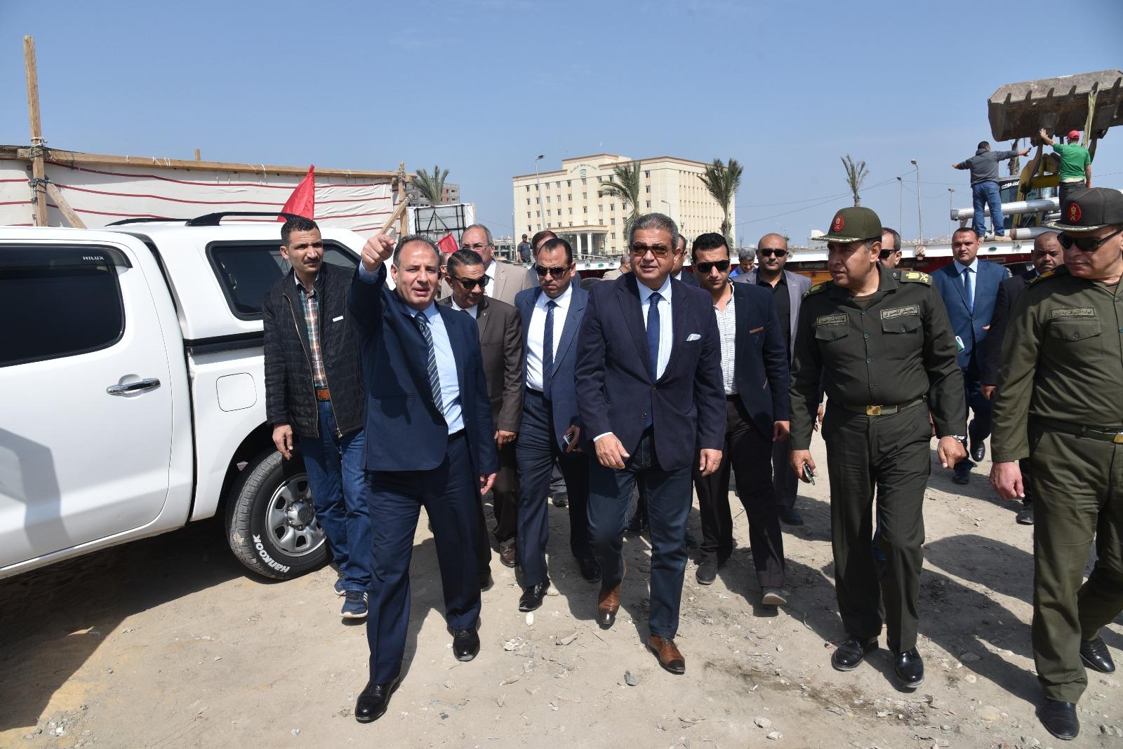 محافظ الإسكندرية يرافق الوزير
