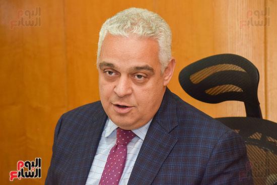 السفير ياسر النجار رئيس مجلس إدارة الشركة القابضة للصناعات الكيماوية (2)