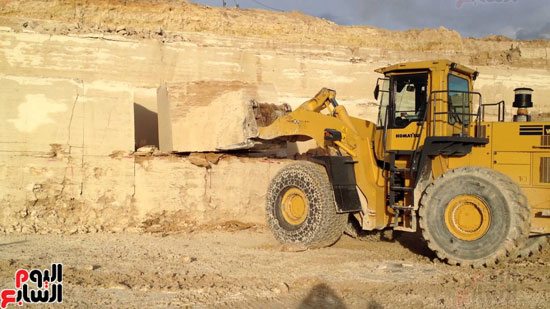محجر لتقطيع الصخور الأسوانية