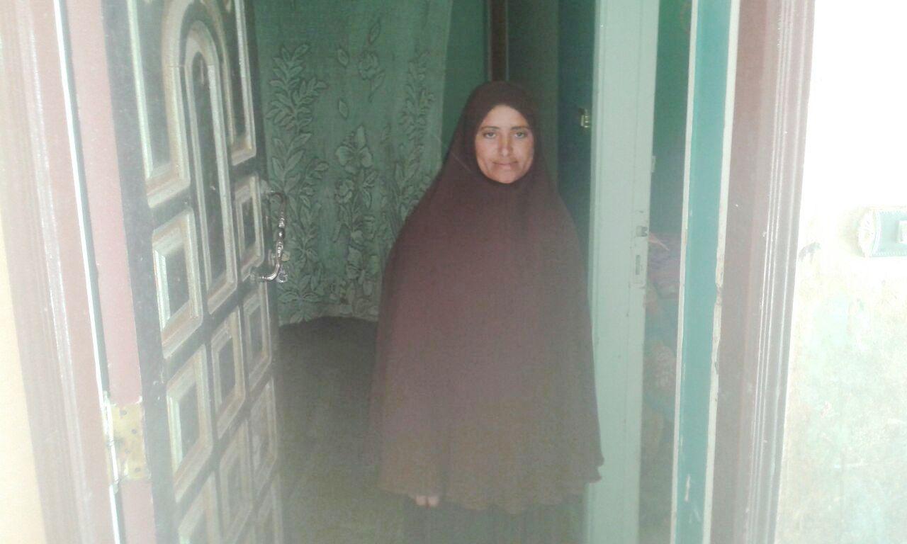 اضطرت لاخراج ابنائها من المدارس
