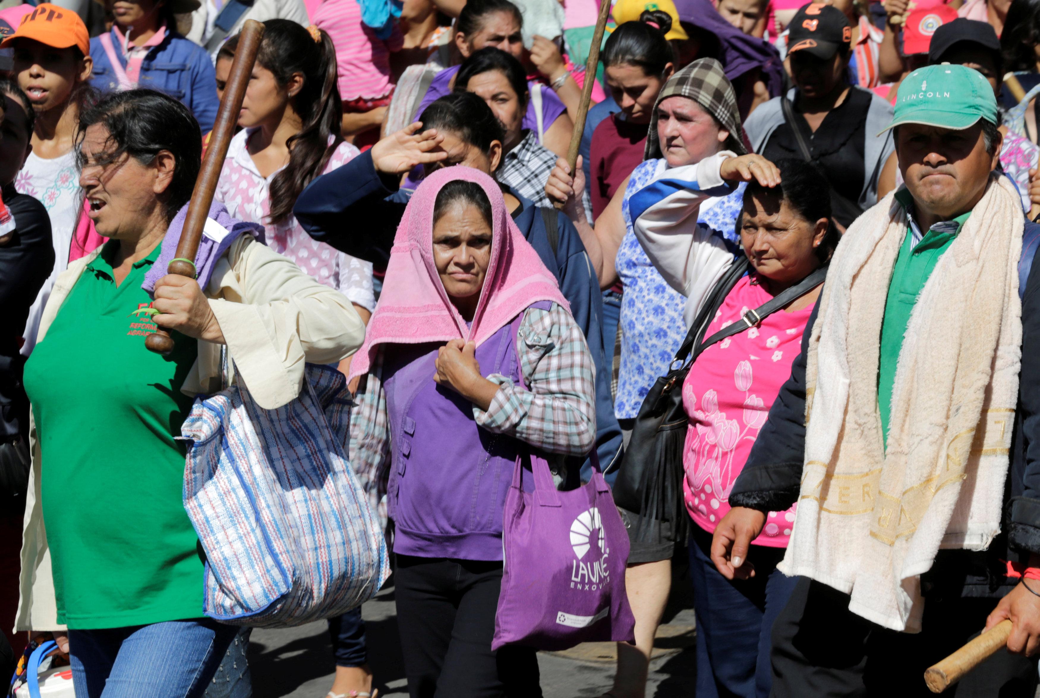 تظاهرات الأعضاء للمطالبة بإصلاحات زراعية