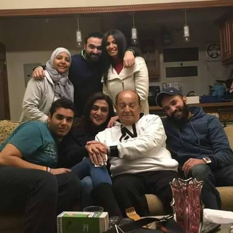 المخرج عادل صادق مع اسرته