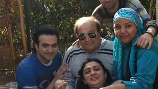 المخرج عادل صادق مع ابنته الفنانة وفاء صادق