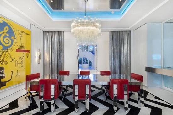 غرفة السفرة بقصر تومى هيلفيجر
