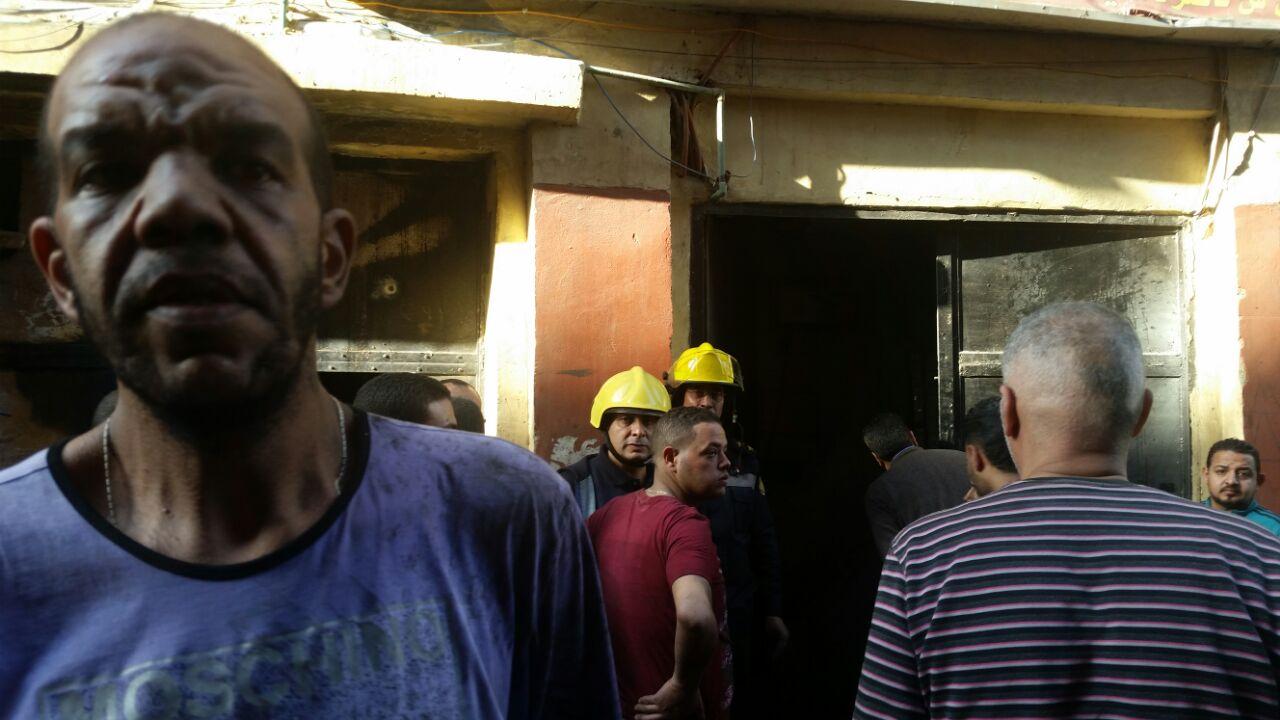 حريق بمخزن مصنع ملابس (1)
