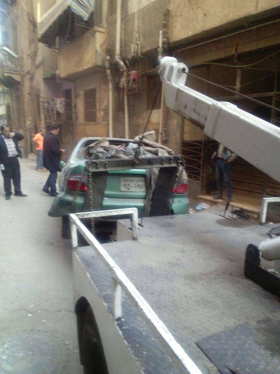 رفع سيارات متهالكه من شوارع القاهره (10)