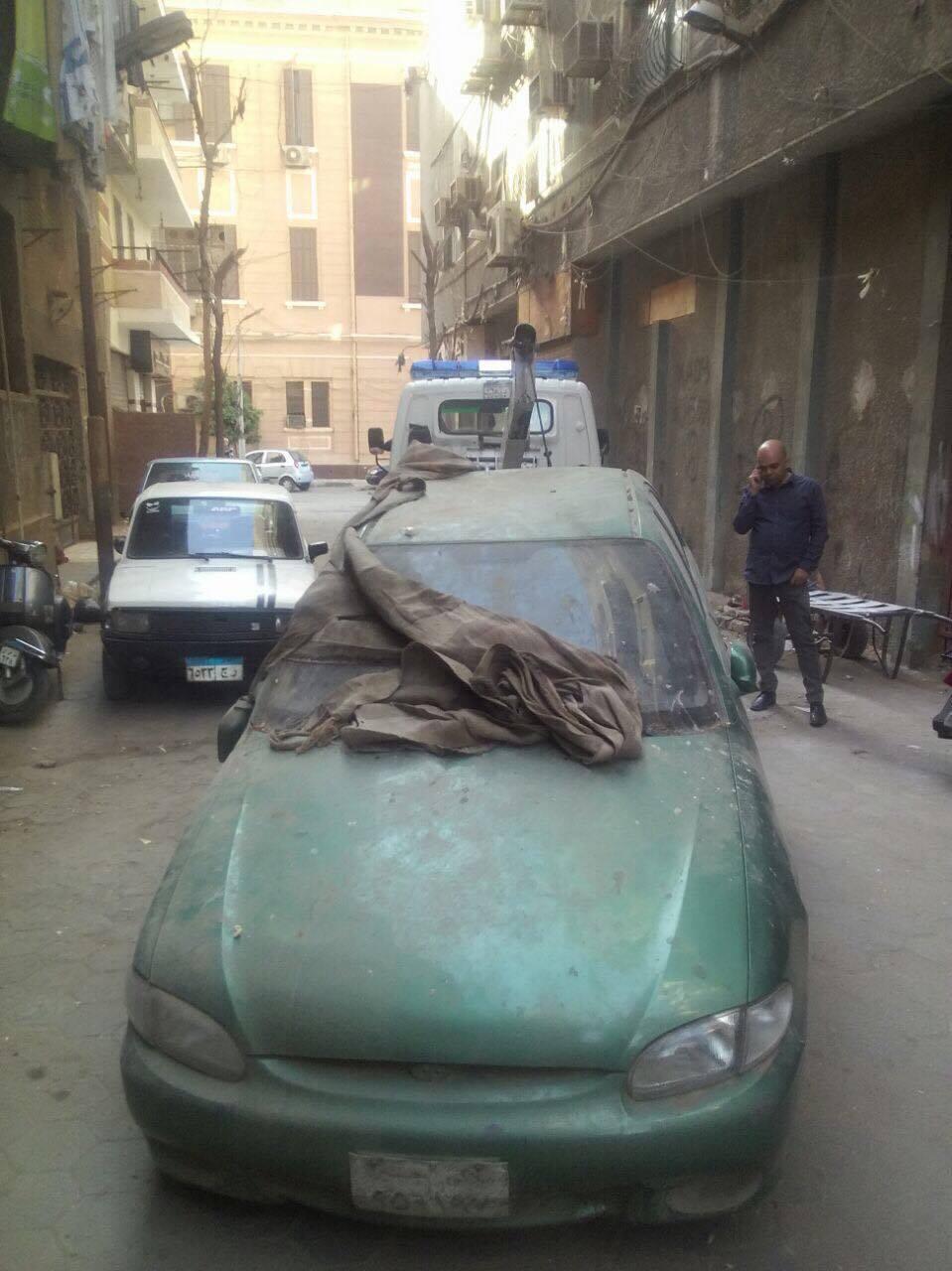 رفع سيارات متهالكه من شوارع القاهره (11)