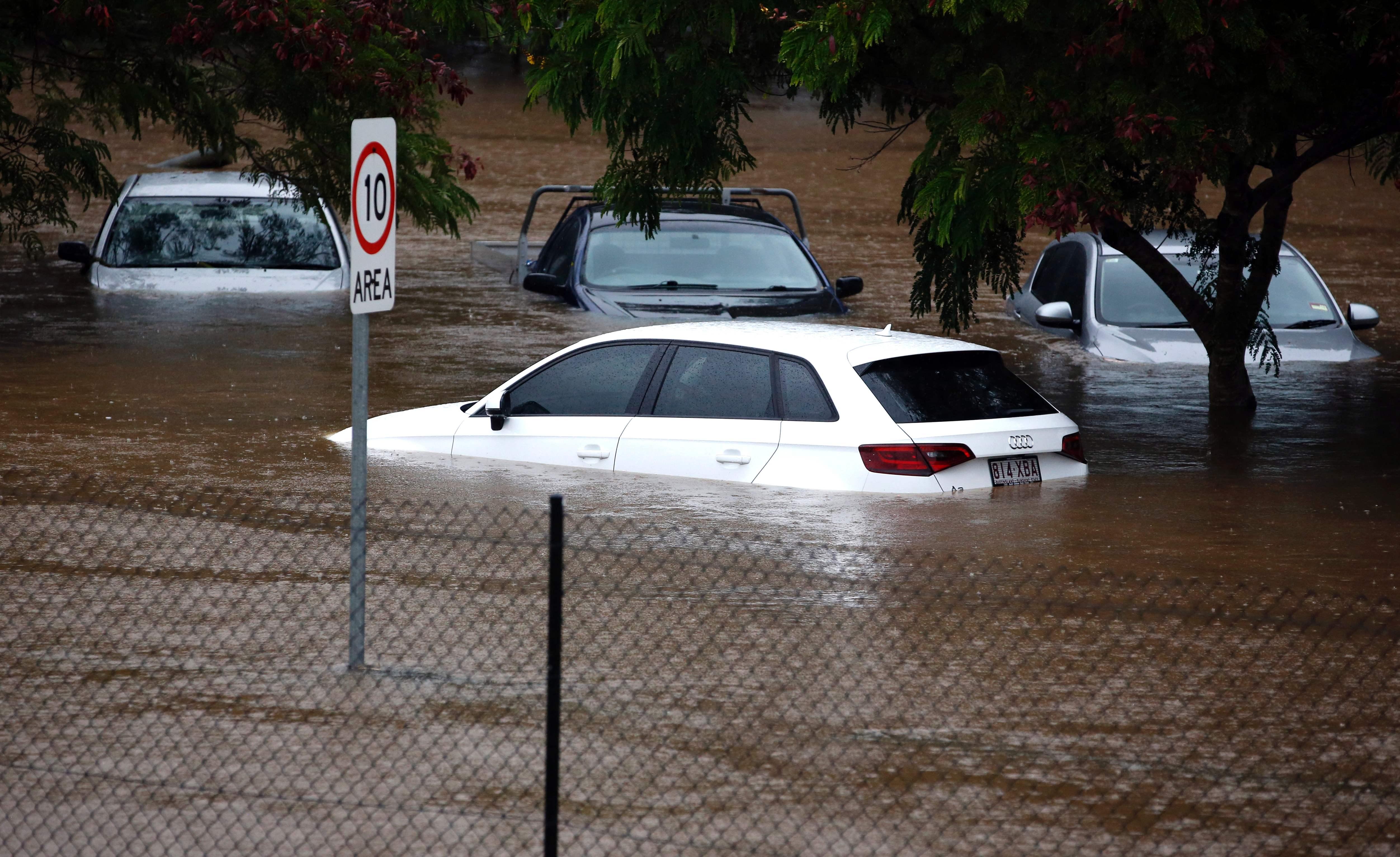 إعصار ديبى فى أستراليا