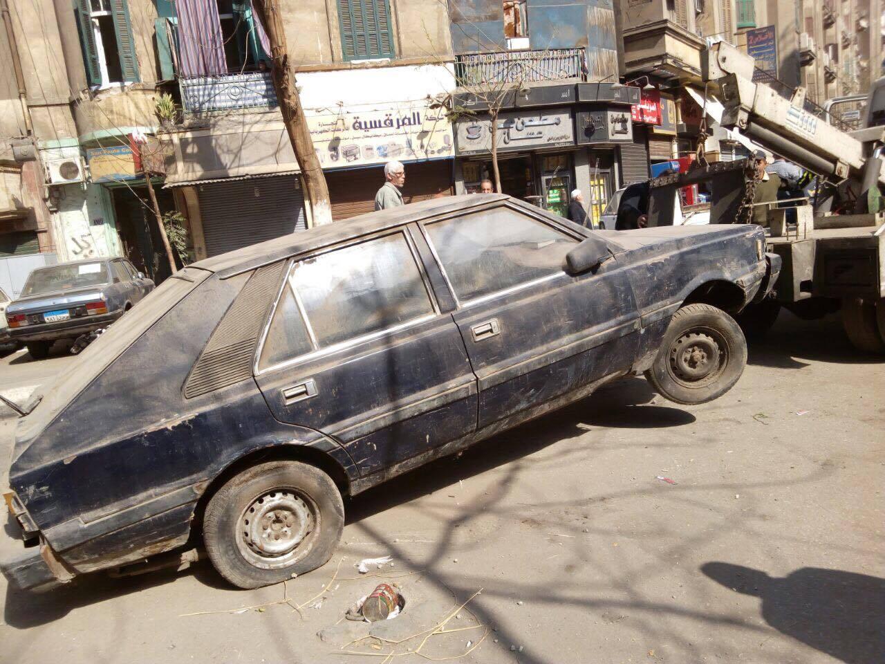 رفع سيارات متهالكه من شوارع القاهره (3)