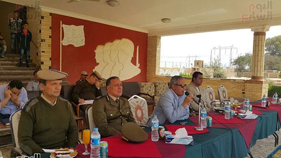 مدير تأمين سوهاج يحث الجنود على بذل مزيد من الجهد والعطاء