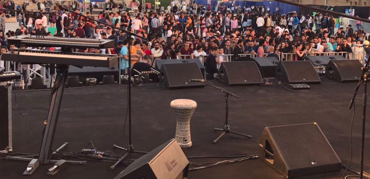 جمهور حفل تامر حسني (1)
