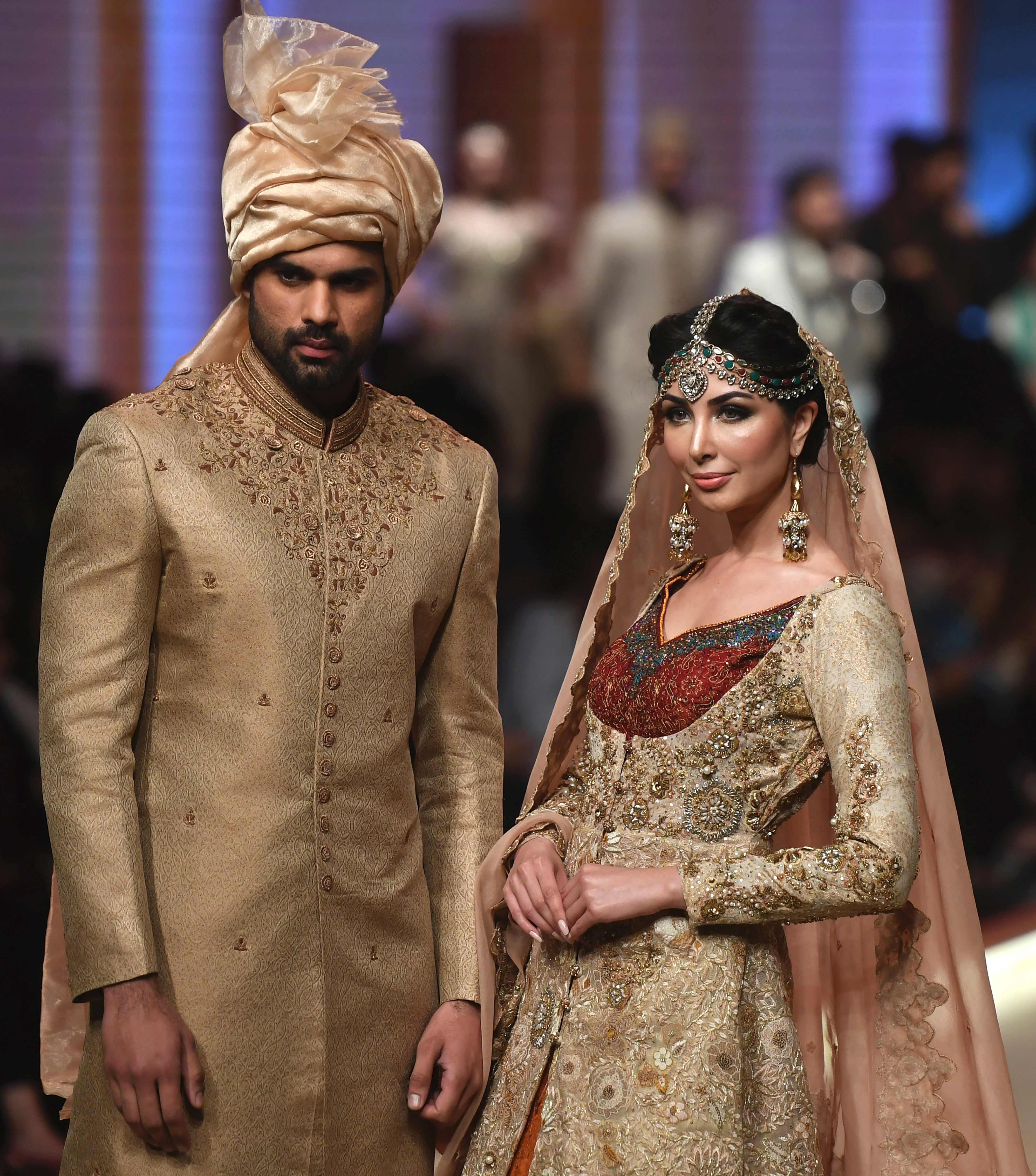 إبداعات الموضة في باكستان