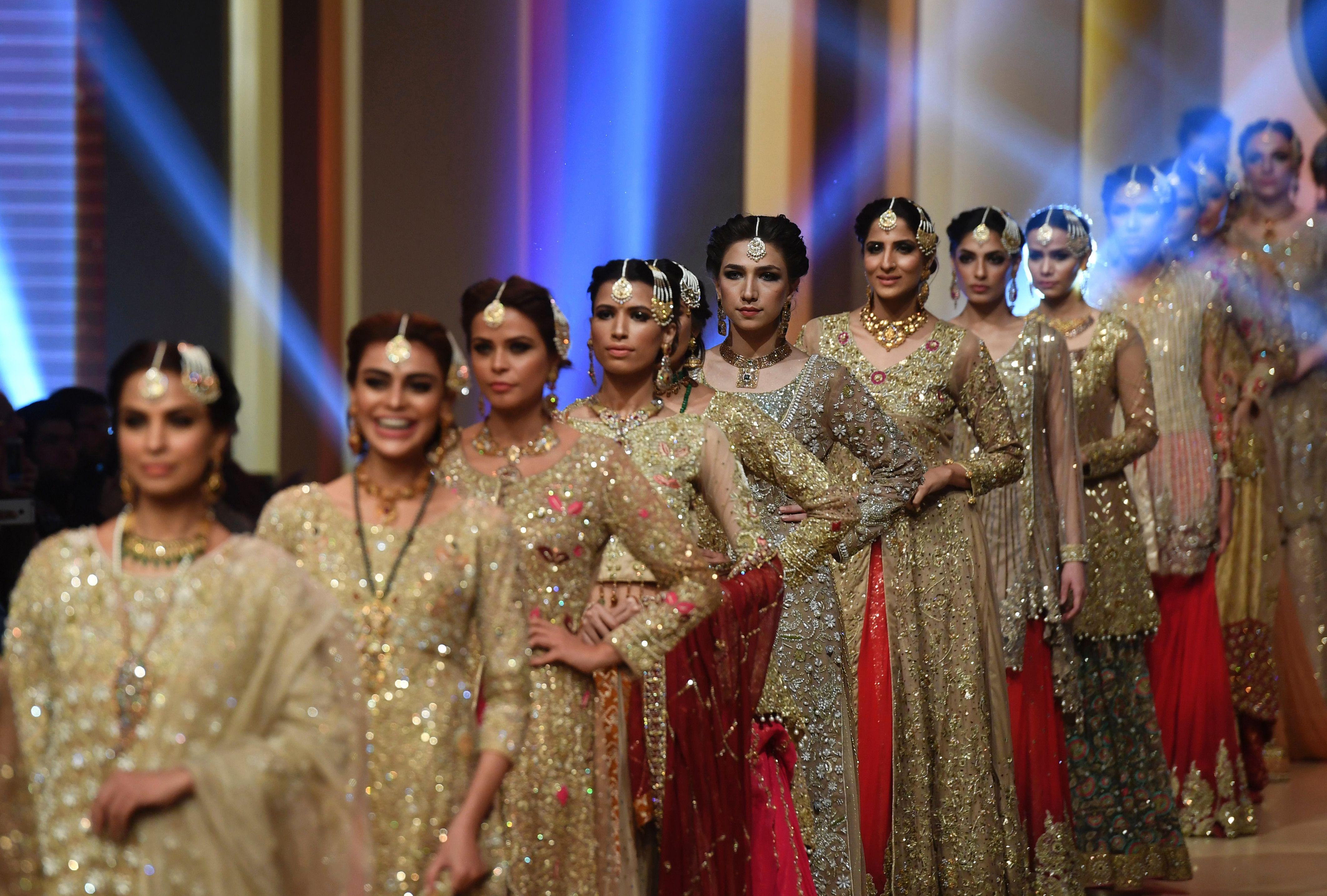 تصميمات باكستانية