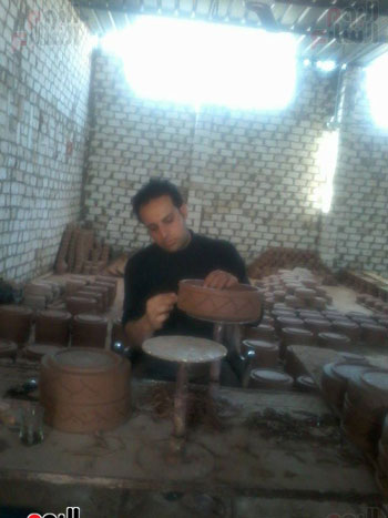 محمد-رياض-صاحب-مصنع-للخزف