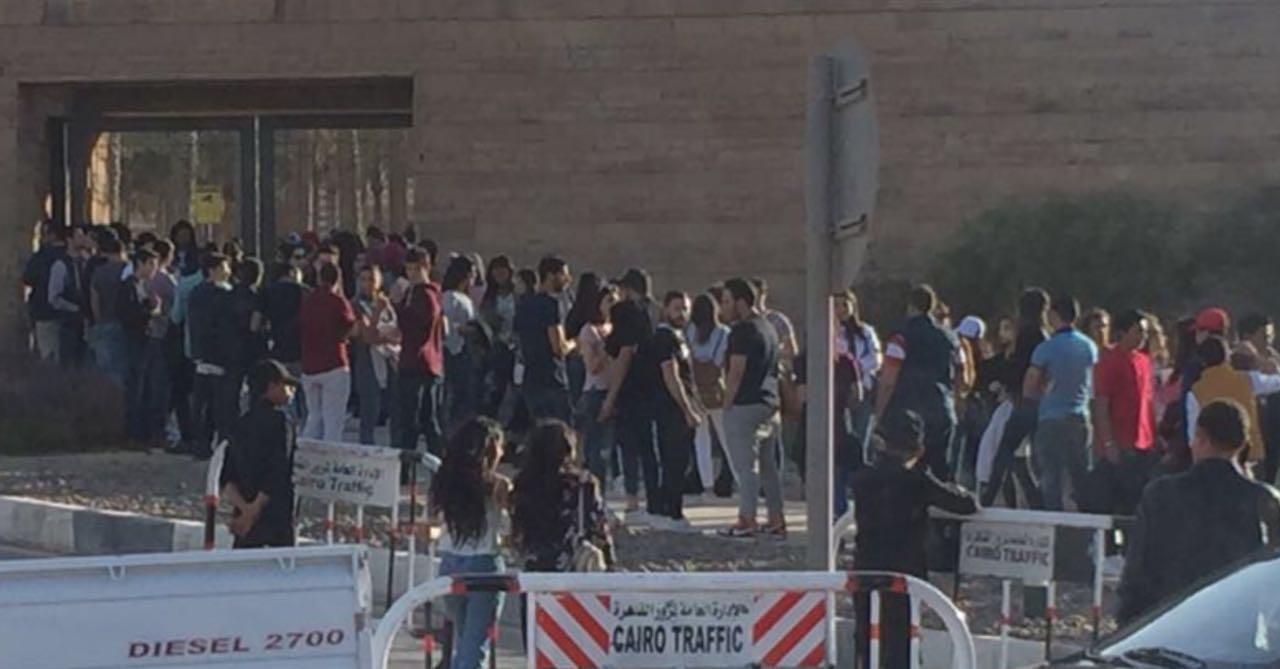 جمهور حفل تامر حسني (2)